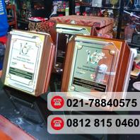 Bikin Plakat Kayu Jakarta