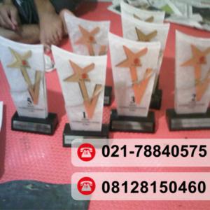 Siap menjadi Supplier Plakat Jakarta